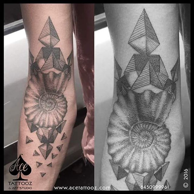 Geometric 3D Tattoo Designs on Hand