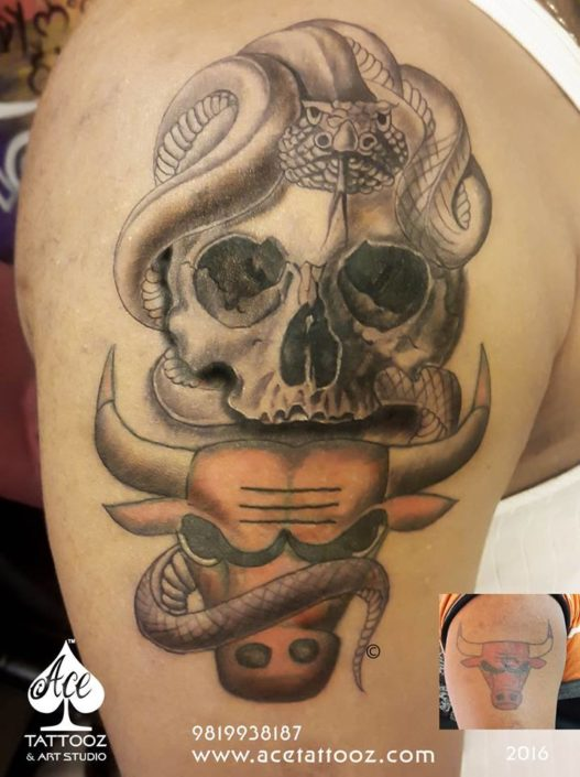 Skull Tattoos Designs for Men with Snake, Skull and Bull