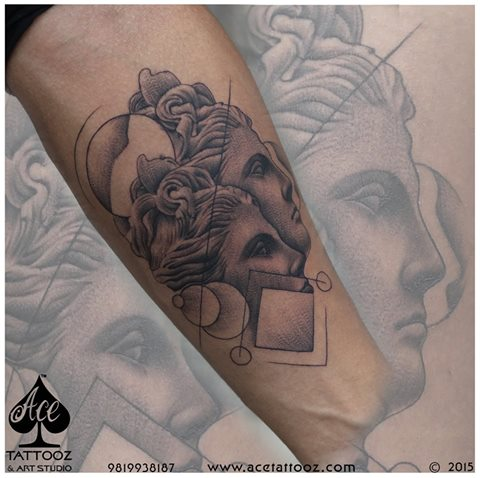 Black And Grey Tattoo Designs At Pune Convention