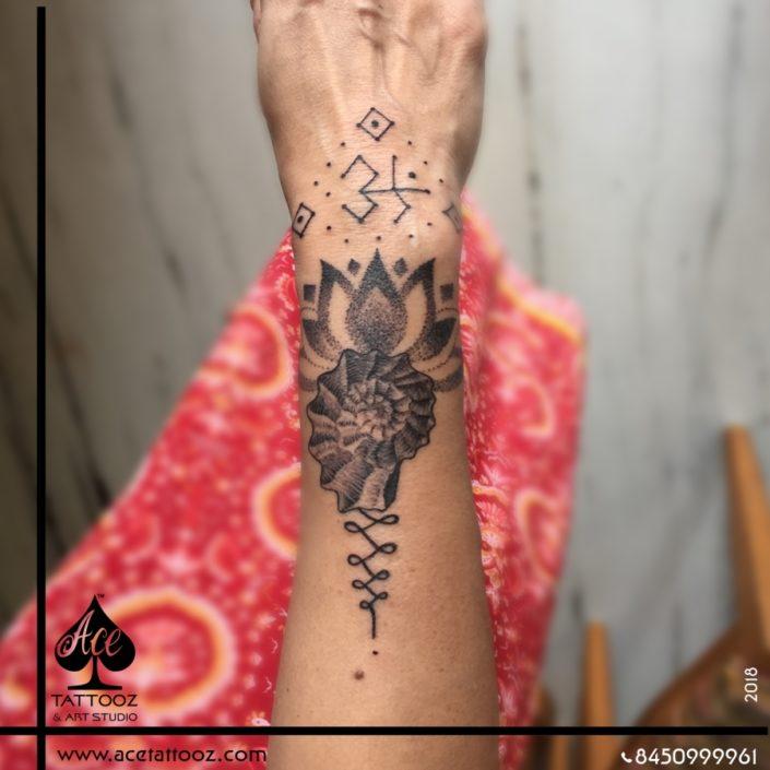 Tattoo Ideas for Womens Wrist